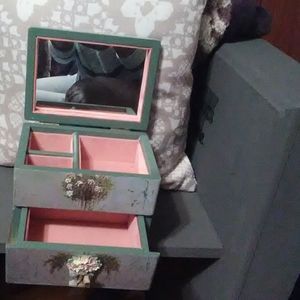 Other - Vintage jewelry box